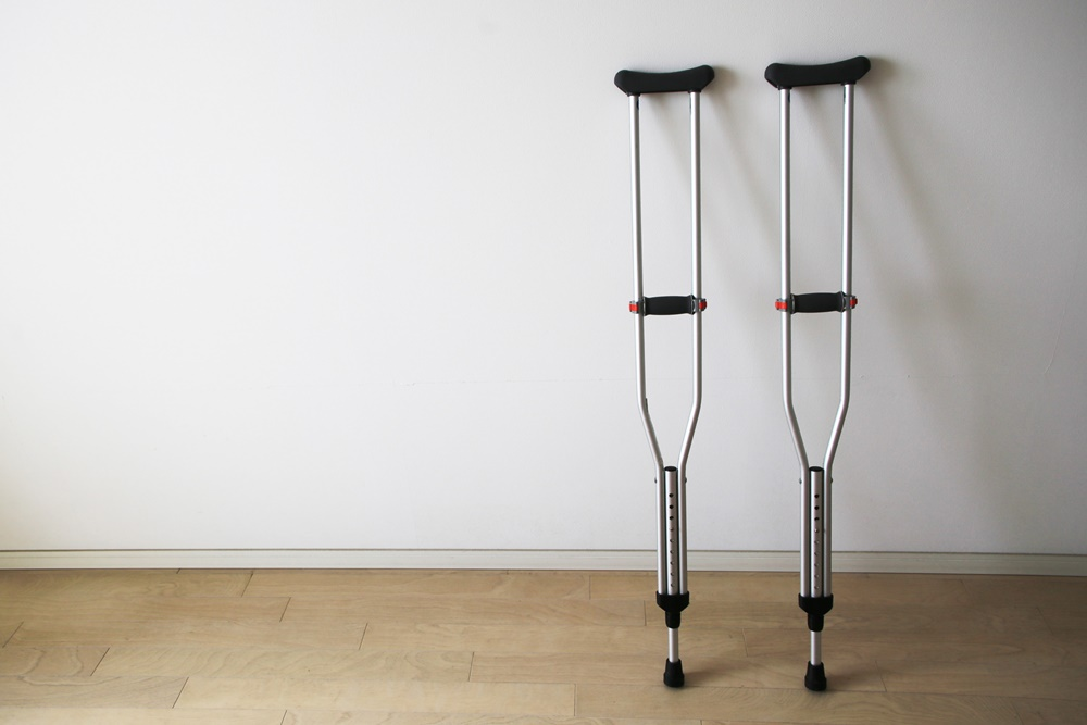 crutch 松葉杖