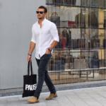 白シャツ&ブラックデニム。