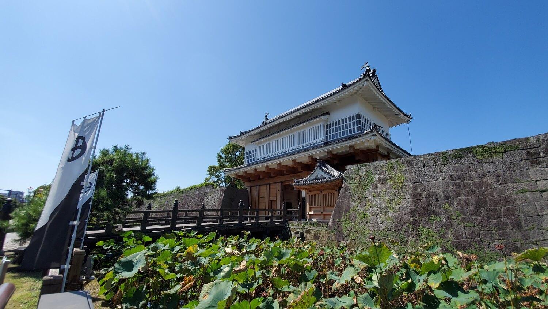 鶴丸城 御楼門
