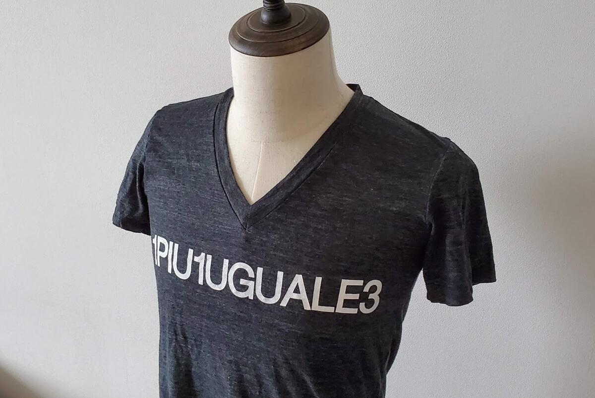 ウノピゥウノウグァーレトレ 1piu1uguale3 猛暑用Tシャツ。