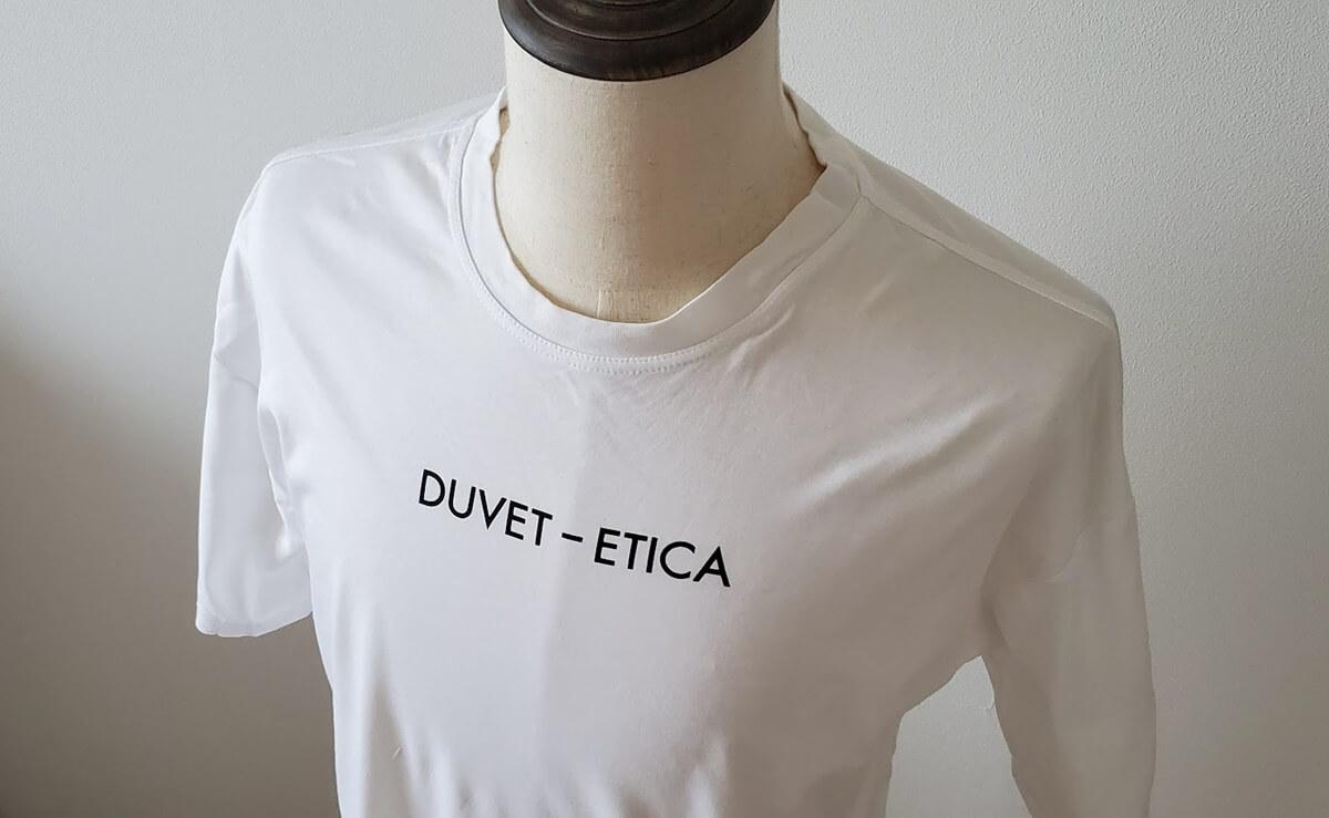 デュベティカ Tシャツ