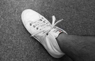 spring court 結び目がほどけない靴ひもの結び方。
