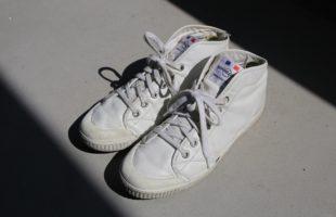 靴べらを使わなかったスニーカーの哀れな末路。