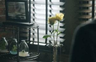 男 の 花 瓶 。